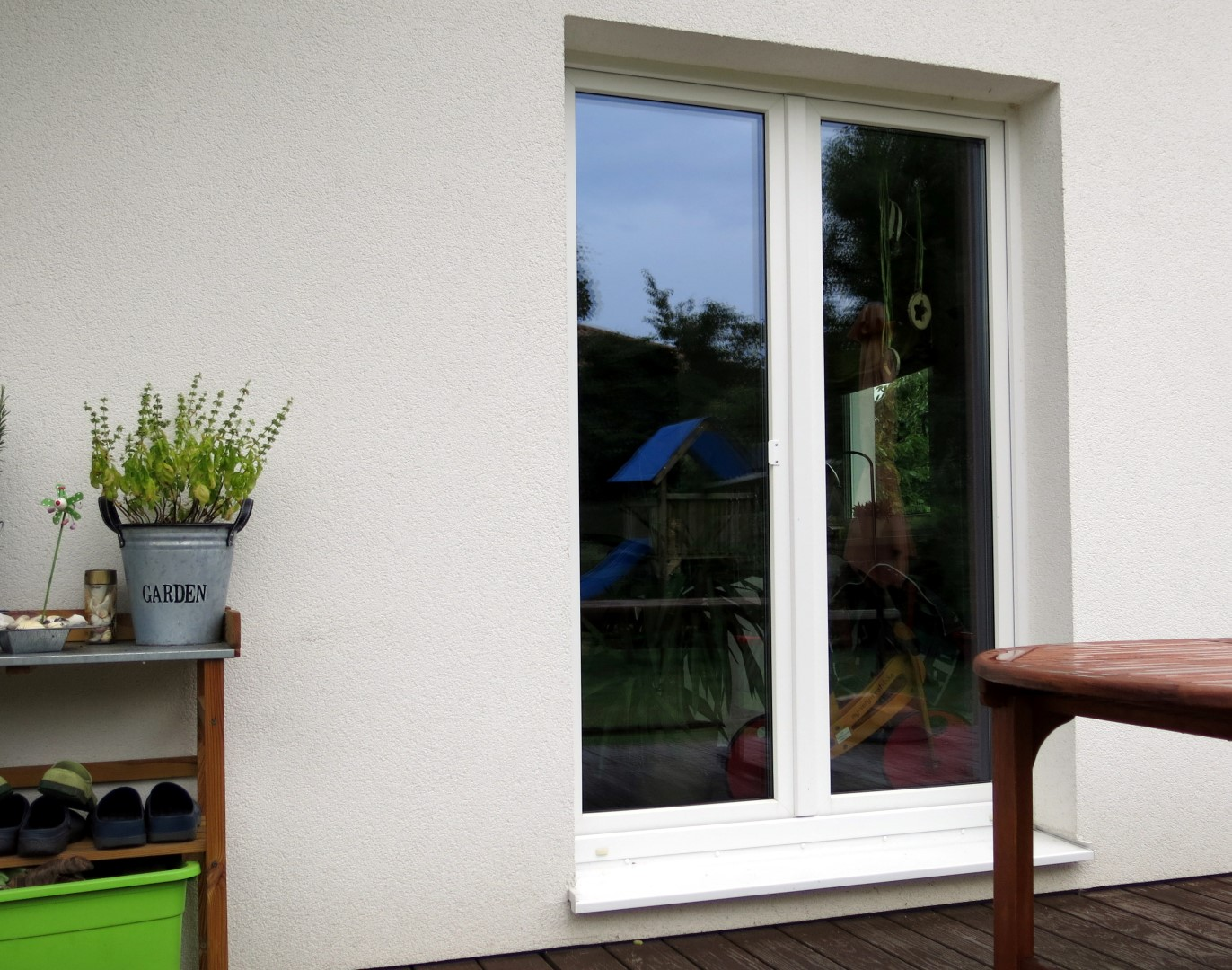 Schutz vor Einbrechern: unbeobachtete Fenster und Türen sind besonders beliebt.